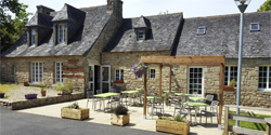 9- Moulin de Kerguiduff - Restaurant à Tréflaouenan à la campagne au bord de l'eau : 100 couverts